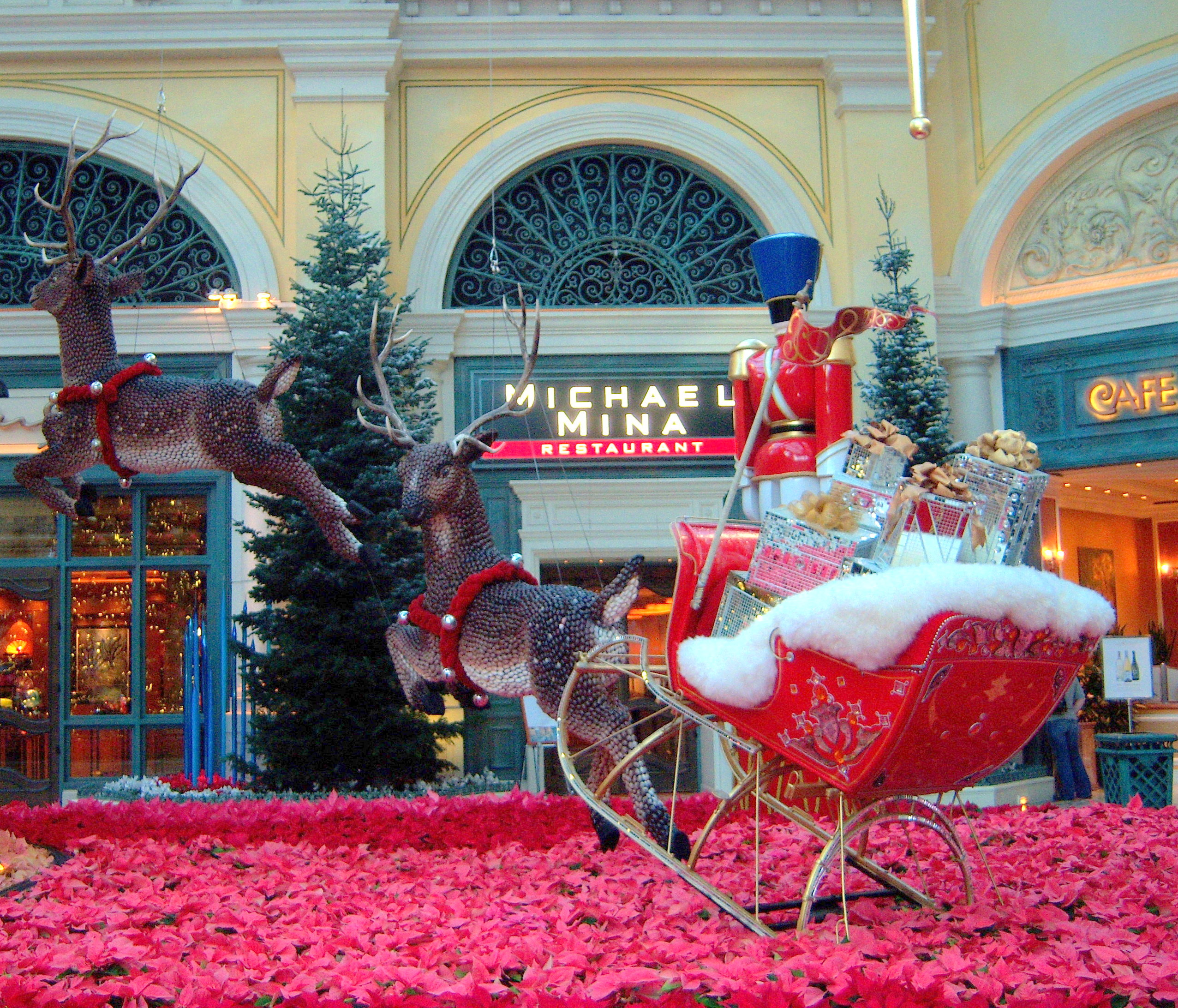 published october 22 2014 at 2553 2184 in - Las Vegas Christmas 2014