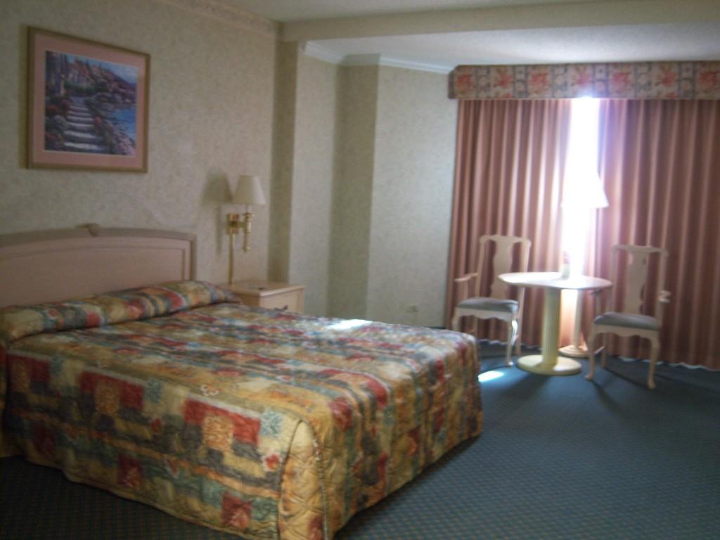 Riviera Las Vegas room