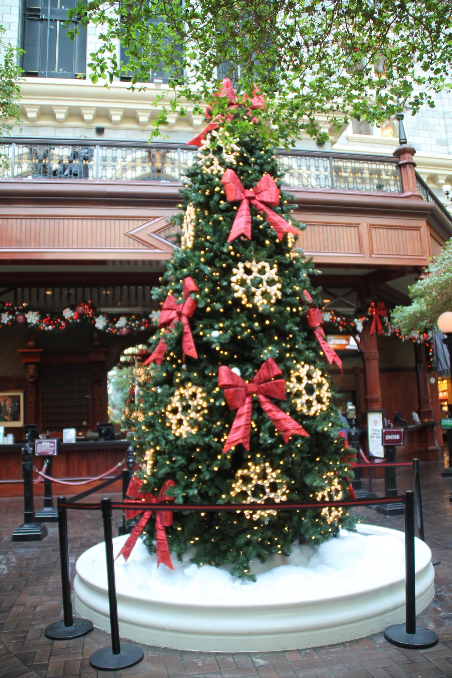 sams town las vegas christmas tree